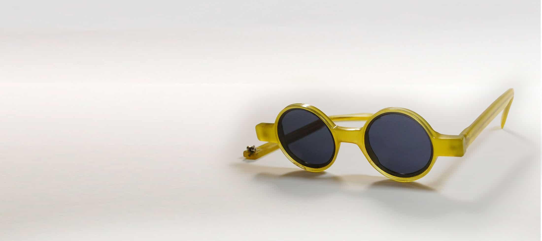 Fix Glasses Frame Plastic : Fixing Plastic Glasses